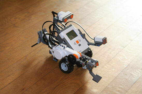 1280px-Lego_Mindstorms_Nxt-FLL.jpg